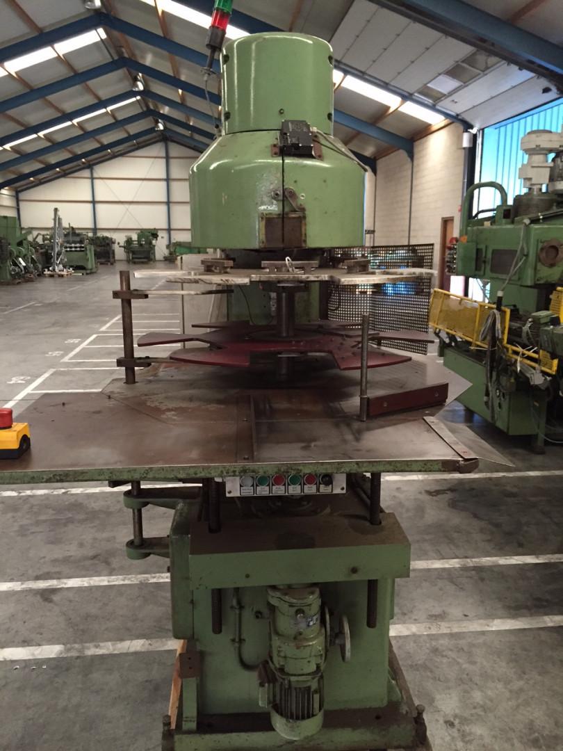 Klinghammer VA 457 seamer