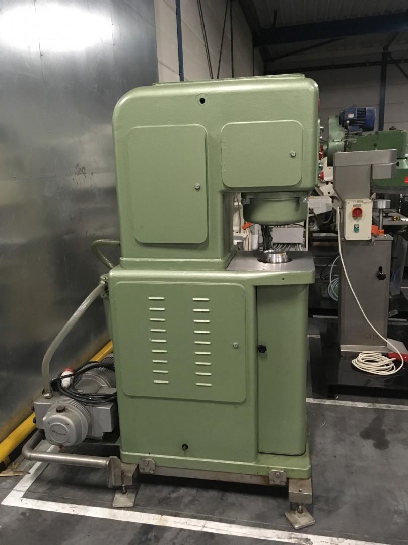Cuennet A-F sertisseuse semi-automatique