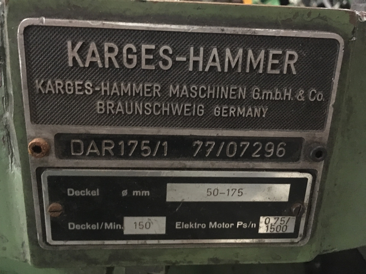 Karges Hammer DAR 175/1 ourleuse à disque