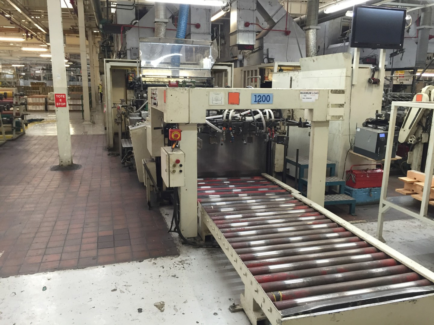 Crabtree F1 FS varnish coating machine - sheet feeder