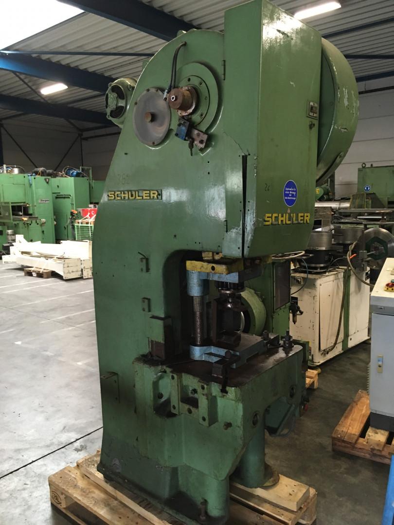 Schuler PDv 25/200 forming press