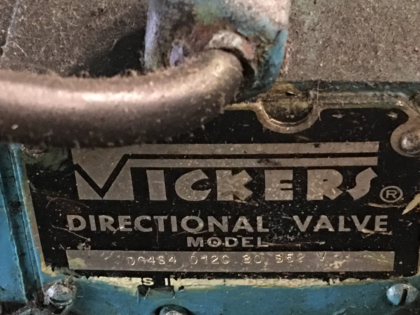 machine identification plate