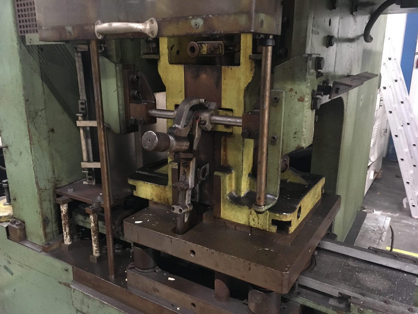 Schuler C-63-315 forming press