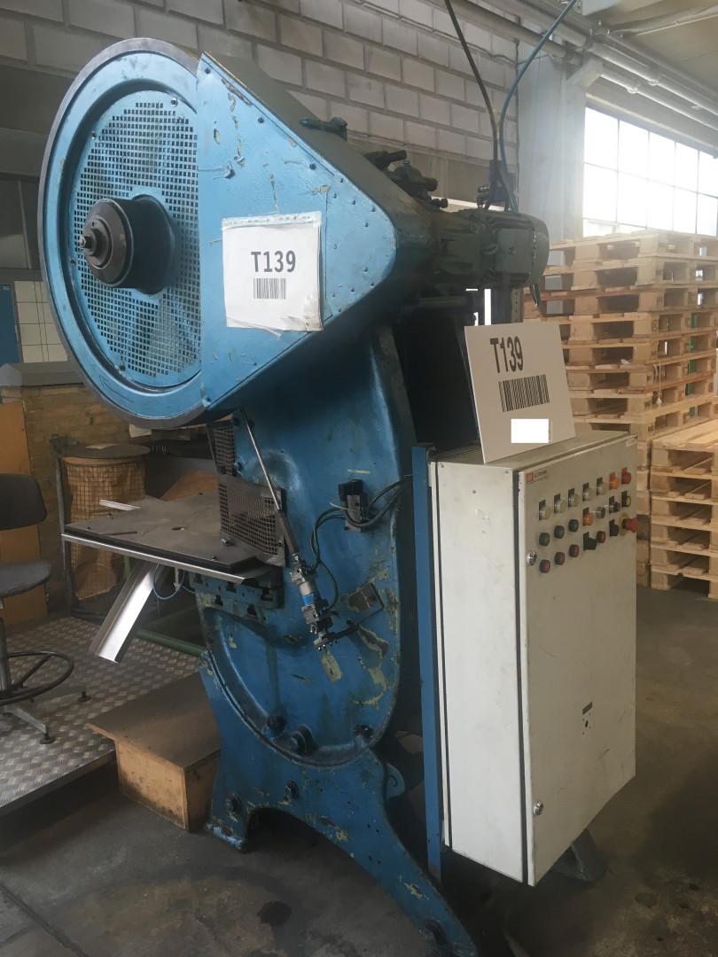 DPF KE 32-175 forming press