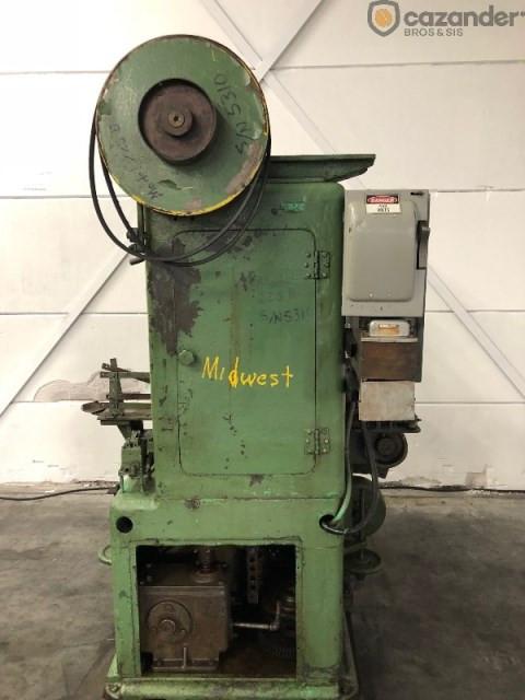MAX AMS 225-B seamer