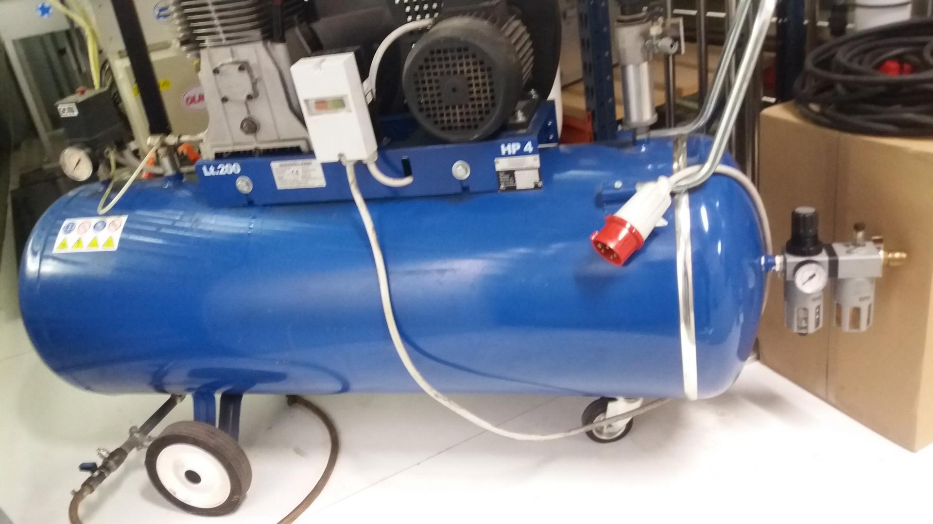 INGERSOLL-RAND EC compressor