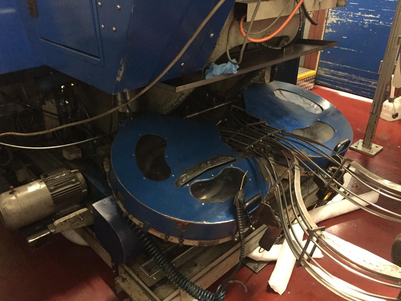 Metal Box 314 presse à bandes - ourleuse à disque