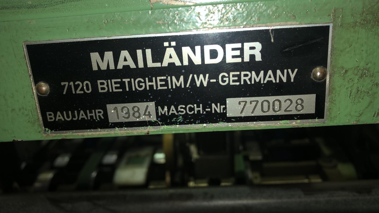 Feeder machine plate