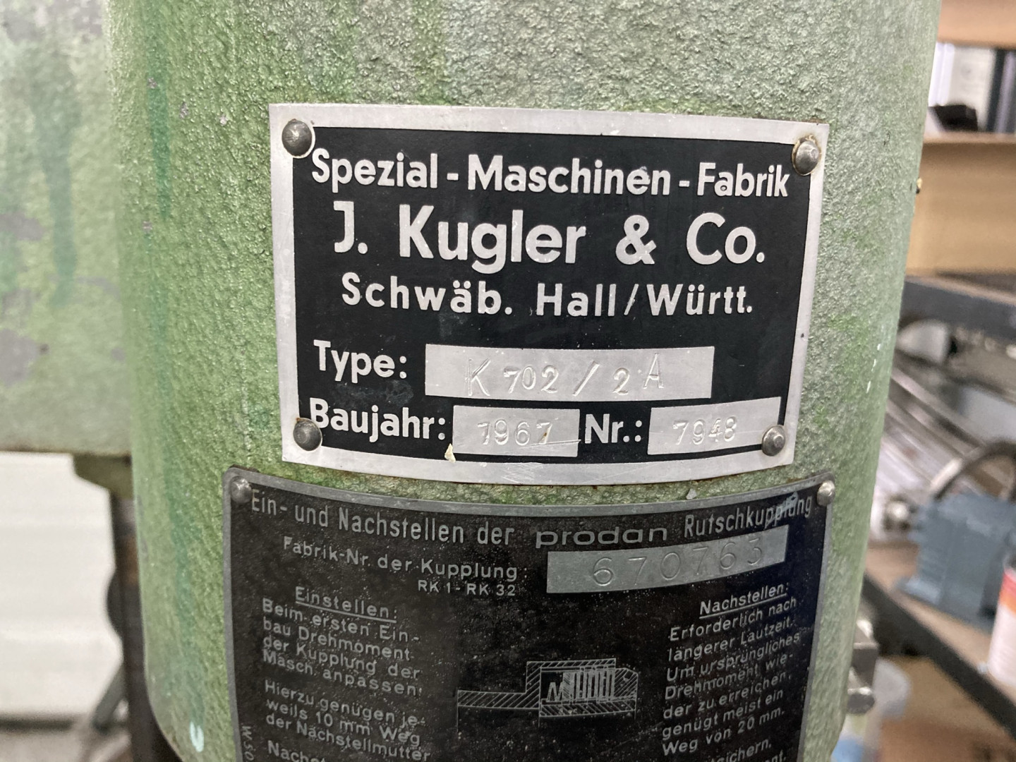 1/4 & 0,5 and 1 Liter filling station with Kugler screw closer
