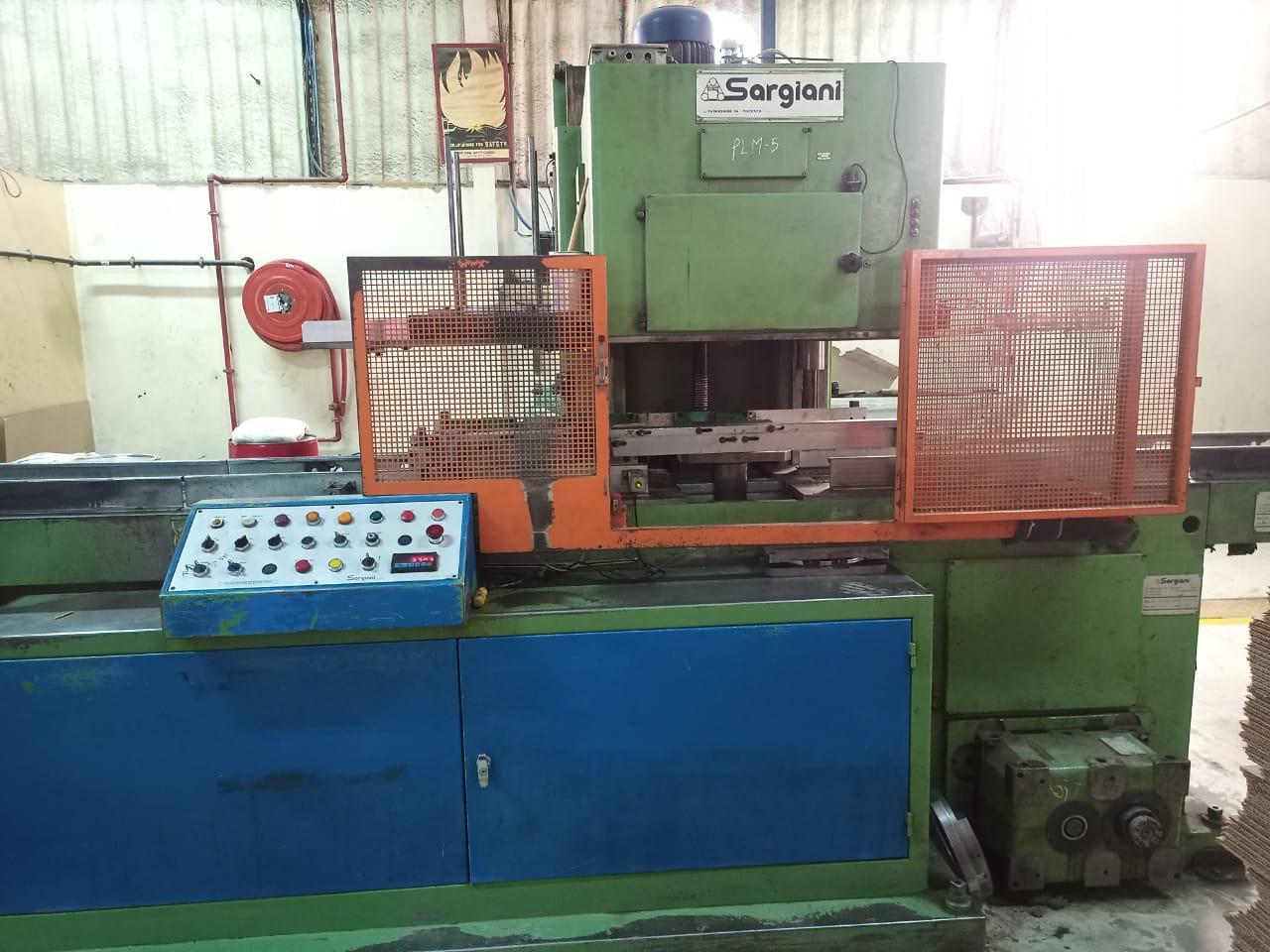Sargiani S2012 A101 seaming machine